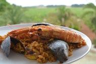 Clase de cocina de paella de marisco en Mallorca